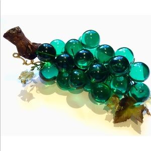 Vintage Retro Large Green Lucite Acrylic Grapes